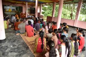 シャプチャリ村 多くの村人が集まった