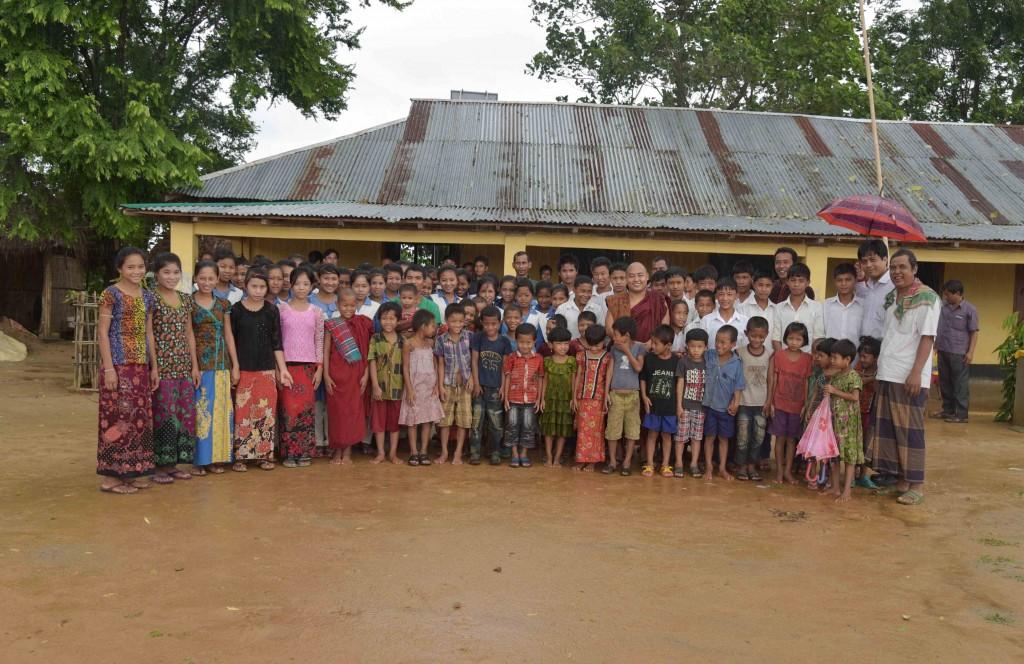 孤児院の生徒達と