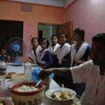043生徒達のてづくりの夕食