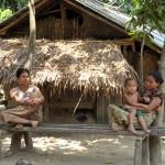 198アラカン族のドショパラ村にて2