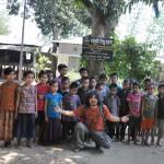 046マハムニシャダン孤児院の子ども達と