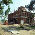 025焼失した寺の横に新しく建設中のザディバラ寺