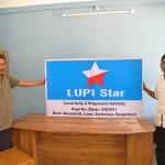 048 NGOローカルユニティ・プログラッシブ・インステチュートのスタッフとスラン(右)