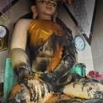 167焼かれた仏像