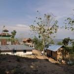 121ゴラストリ村の集会所と寺