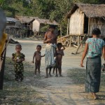 049アラカイン族のバボ村
