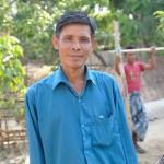 053 BOBでバナナ栽培を始めた受益者で村の衛生員(医療)