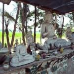 028破壊された仏像