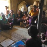 068ドッキンドルボバラ村でのミーティング